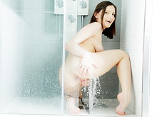 Cum bath shower XXX pictutes and porn shower sex videos of beautiful naked girls showering and giving the hot view on all details of their nude charms