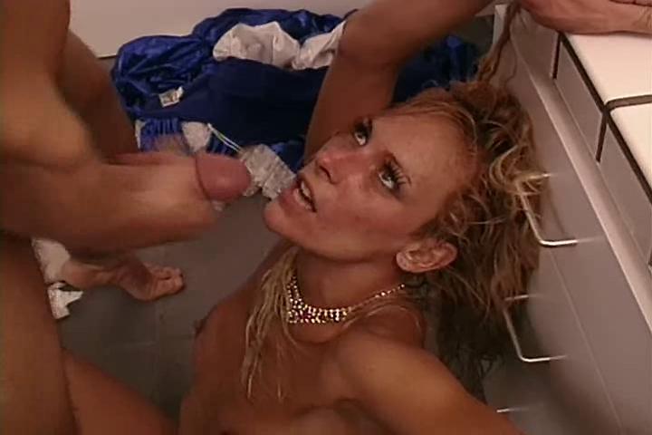 Debi Diamond bizarre anal scene