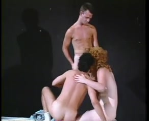 Threesome act with a vintage mature tranny