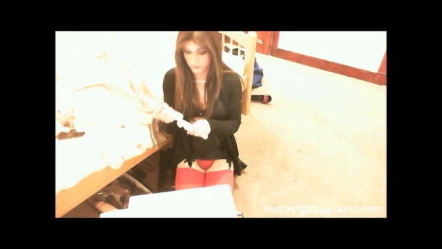Smoking hot crossdresser slut fucks dildo and masturbates her big cock