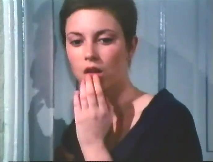 Short haired German slut fucked hard in vintage video