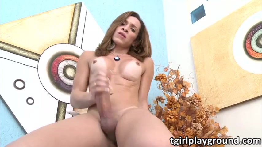 Shemale queen Gabrielli Bianco plays her dick in erotic solo show