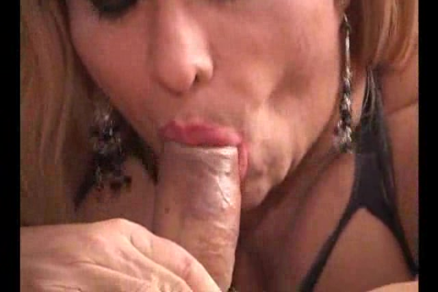 Randy mature shemale loves cock sucking