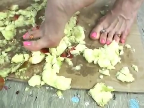 Video 998439004: teen foot fetish, german foot fetish, barefoot teen, barefoot crush