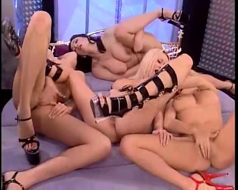 Порно анальная мастурбация лесбиянок 93729 фотография