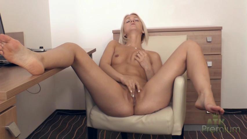 Ashley Love - Masturbation Movie