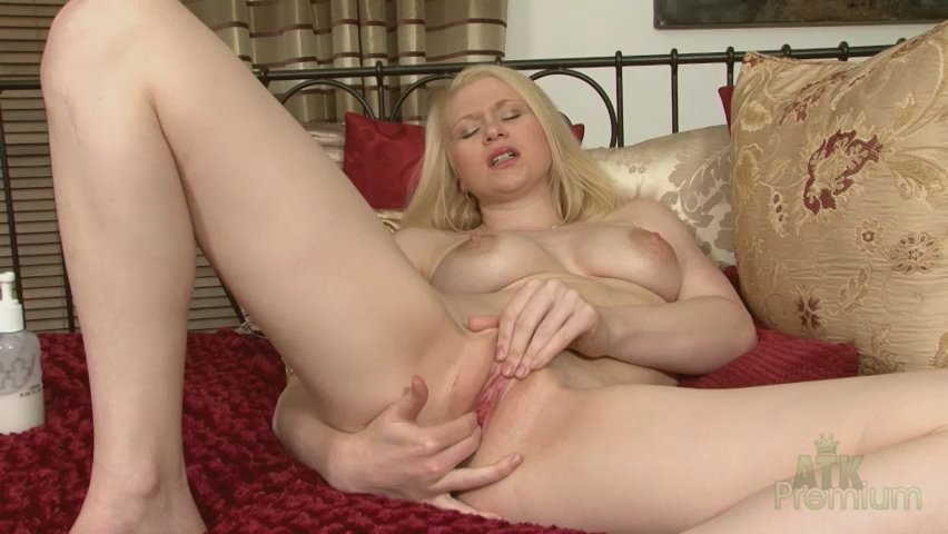 Tegan - Masturbation Movie