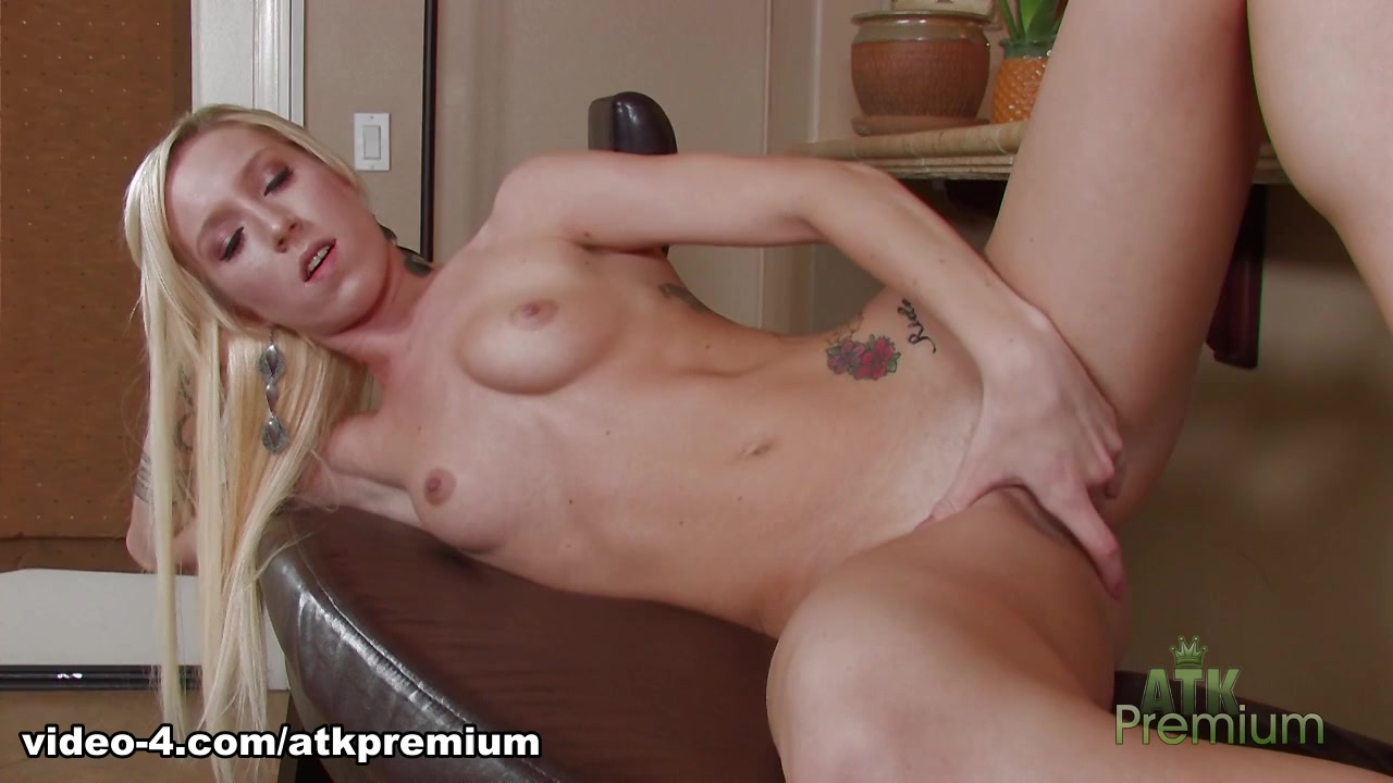 Maia Davis - Masturbation Movie