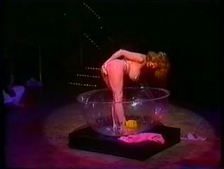 Foxy MILF Dance In The Glass Bath