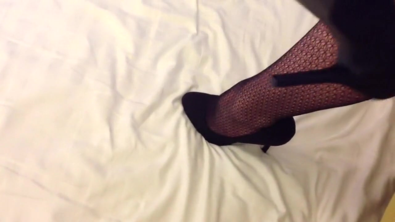 Heels, tights and gloves
