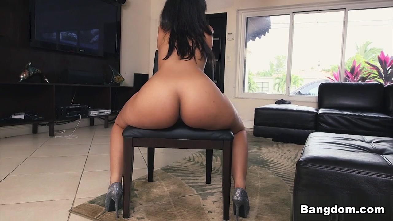 Ava Sanchez in Curvy Latina twerks her ass Video