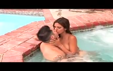 Shi Love swallow cum in the pool
