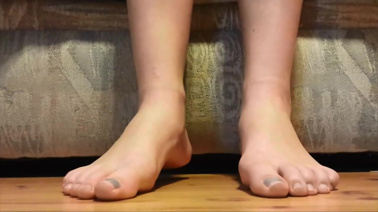 Video 1027753504: foot fetish, barefoot crush