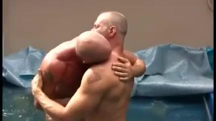 Musclebears fucking