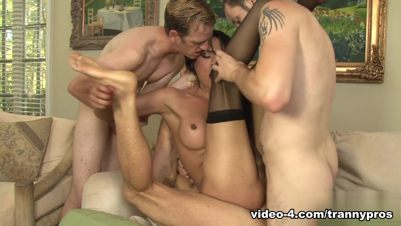 Wolf Hudson, Jay Huntington, Chad Diamond, Jessica Fox in Transsexual Gang Bangers 17