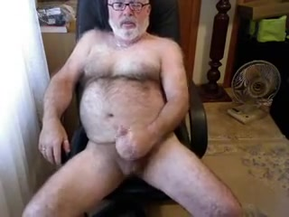My best Daddybear jerking and cumming