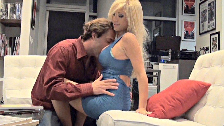 tasha reigns in a hot blonde scandal - porn video