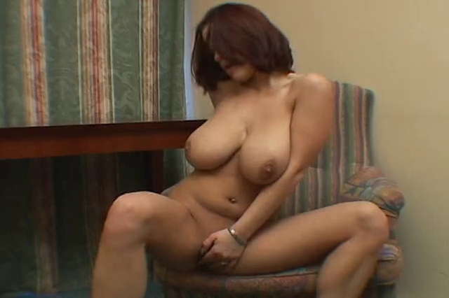 Youthful wife rubs herself to big O