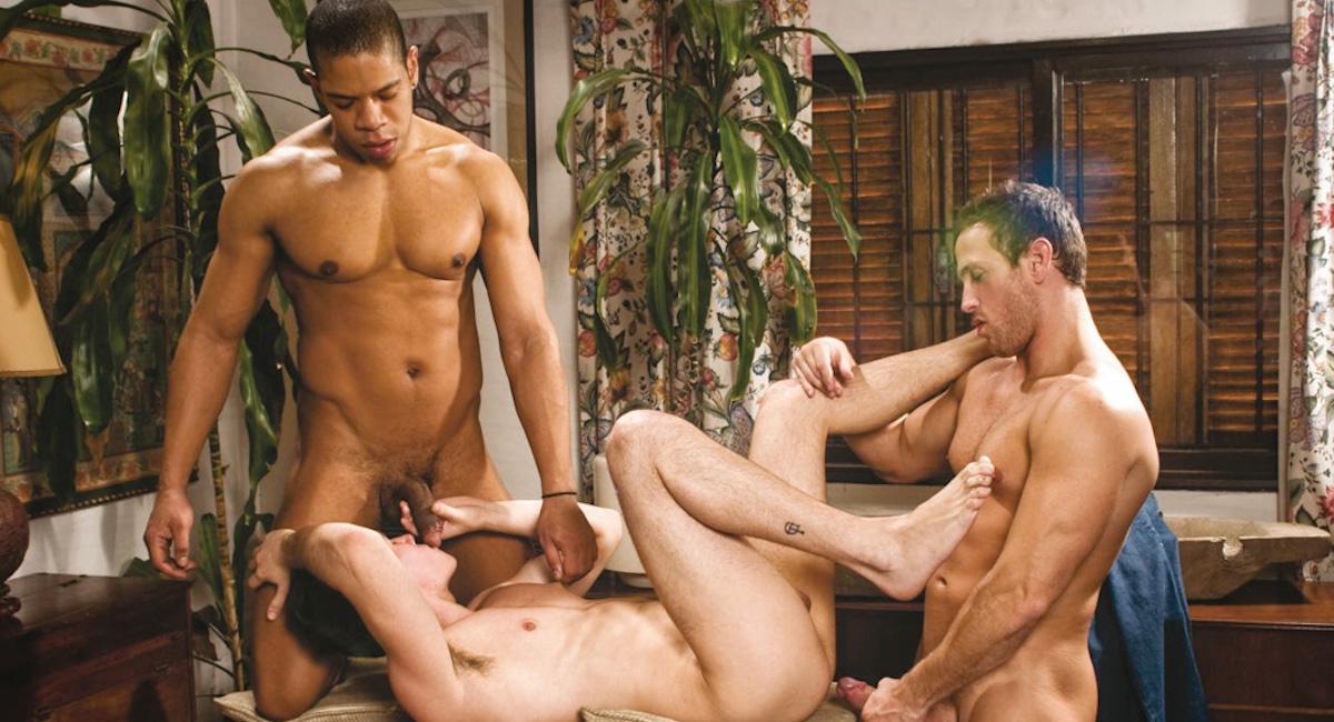 Alejandro Fernandez & Antonio Squillart & Ronaldho in Hombres, Scene #03