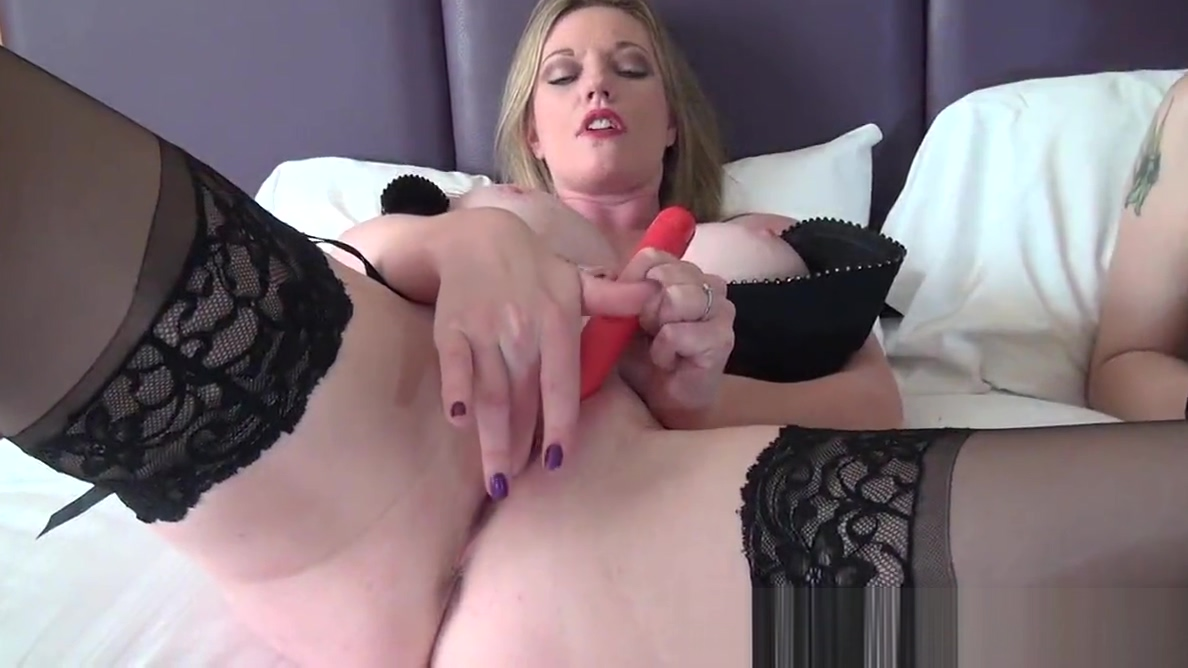 Video 1046986904: holly kiss, hot solo milf masturbation, masturbation british milf, milf together