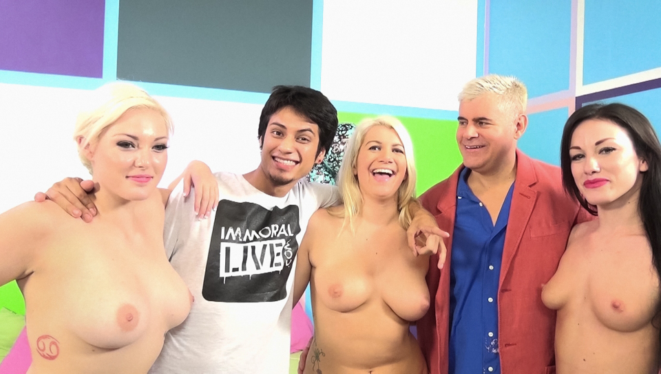 Bella Maree & Scott Lyons in Handjob For A Fan And Pussy For Dan Video