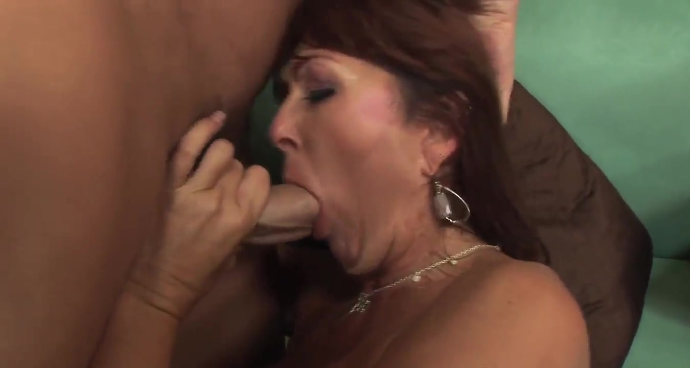 Lovely mature redhead in stockings fuck on the sofa HQ