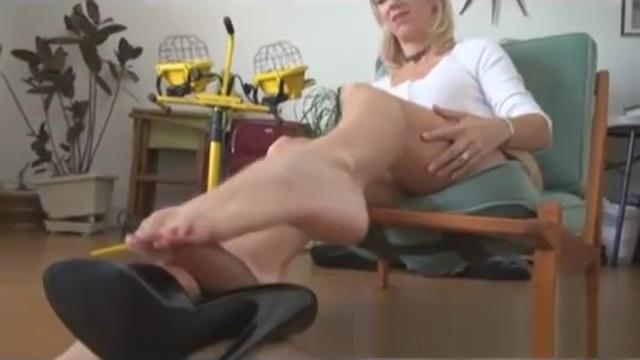 Video 1120559104: milf foot fetish, milf toes, milf loves cock