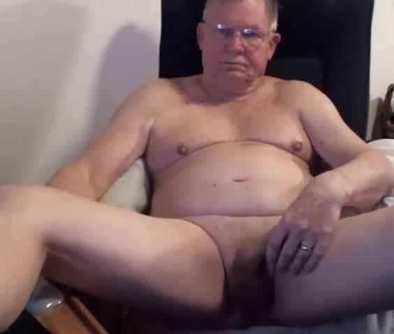 grandpa strok on cam (no cum)