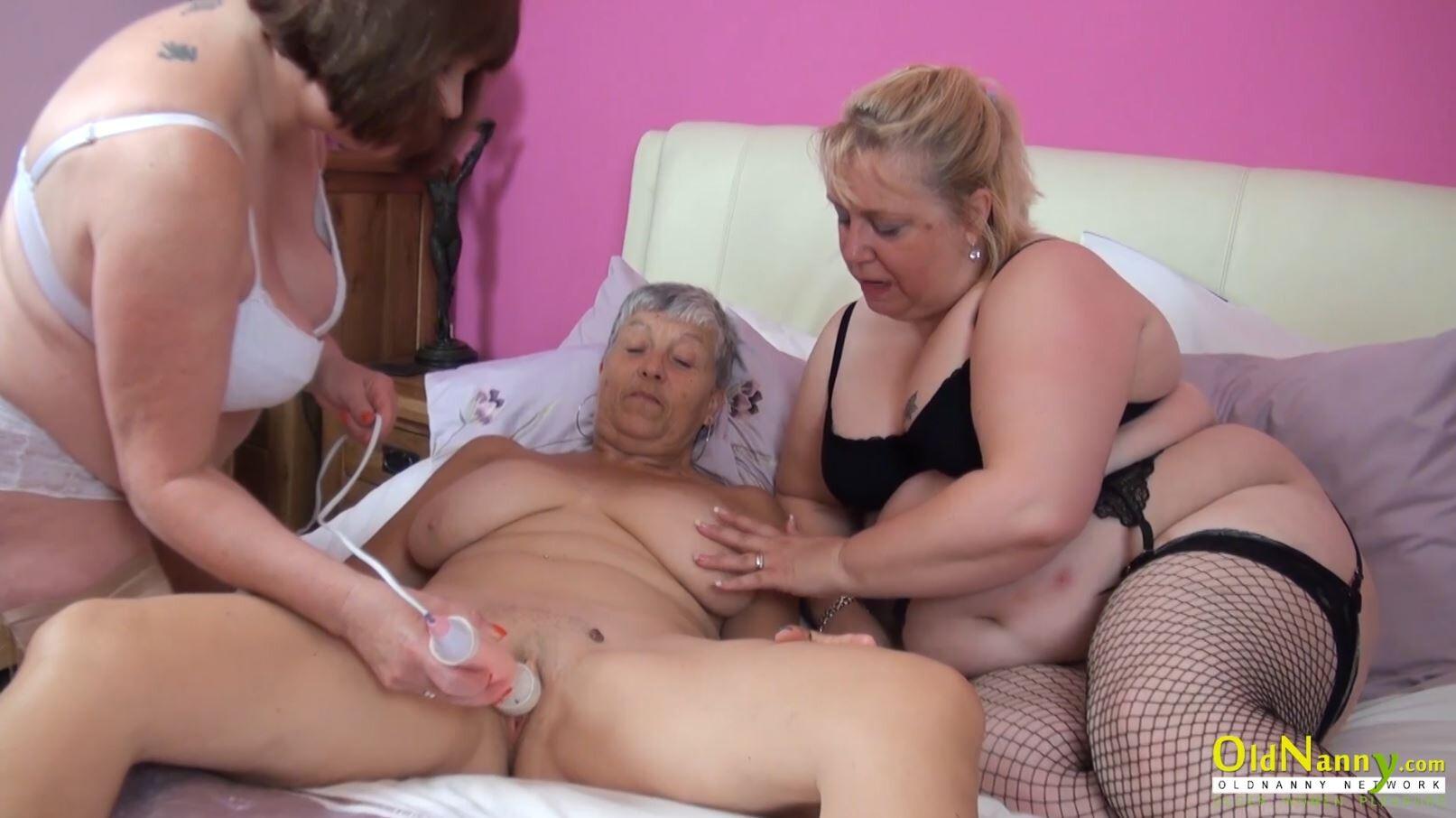 London Keyes Lesbian Threesome