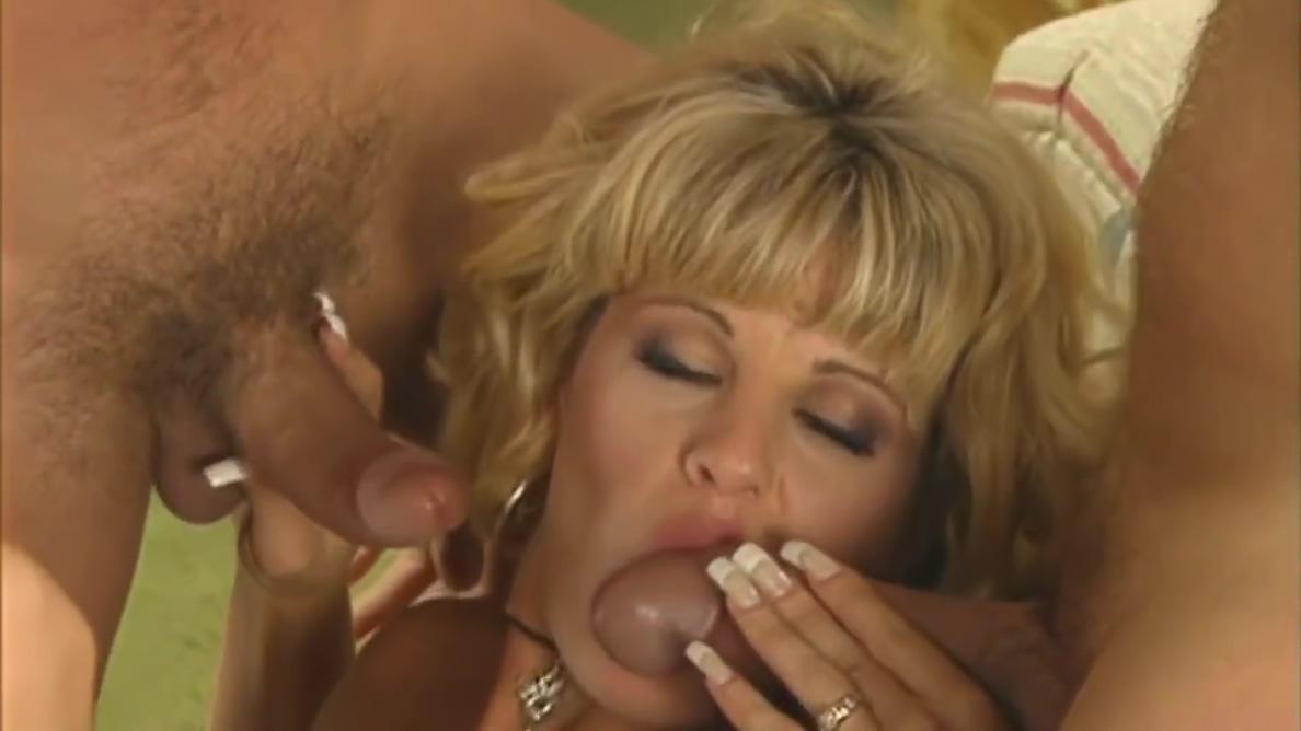 Video 1451205904: marc wallice, tt boy, vintage gangbang, vintage big tit blonde, blonde anal gangbang, gangbang cumshots