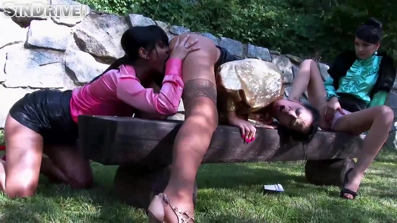 Video 1467223804: tera joy, lesbian threesome outdoors, blonde lesbian threesome, lesbian threesome hd, fetish threesome, blonde brunette threesome