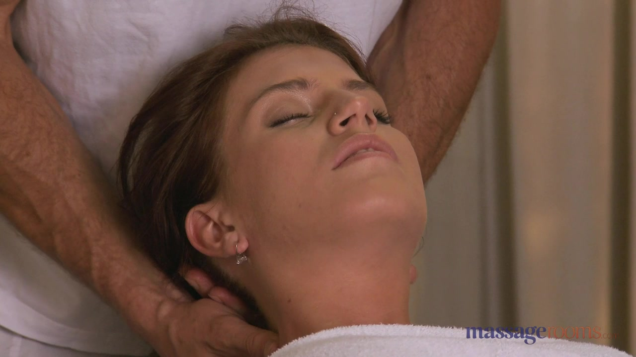 MassageRooms video: george on kristine
