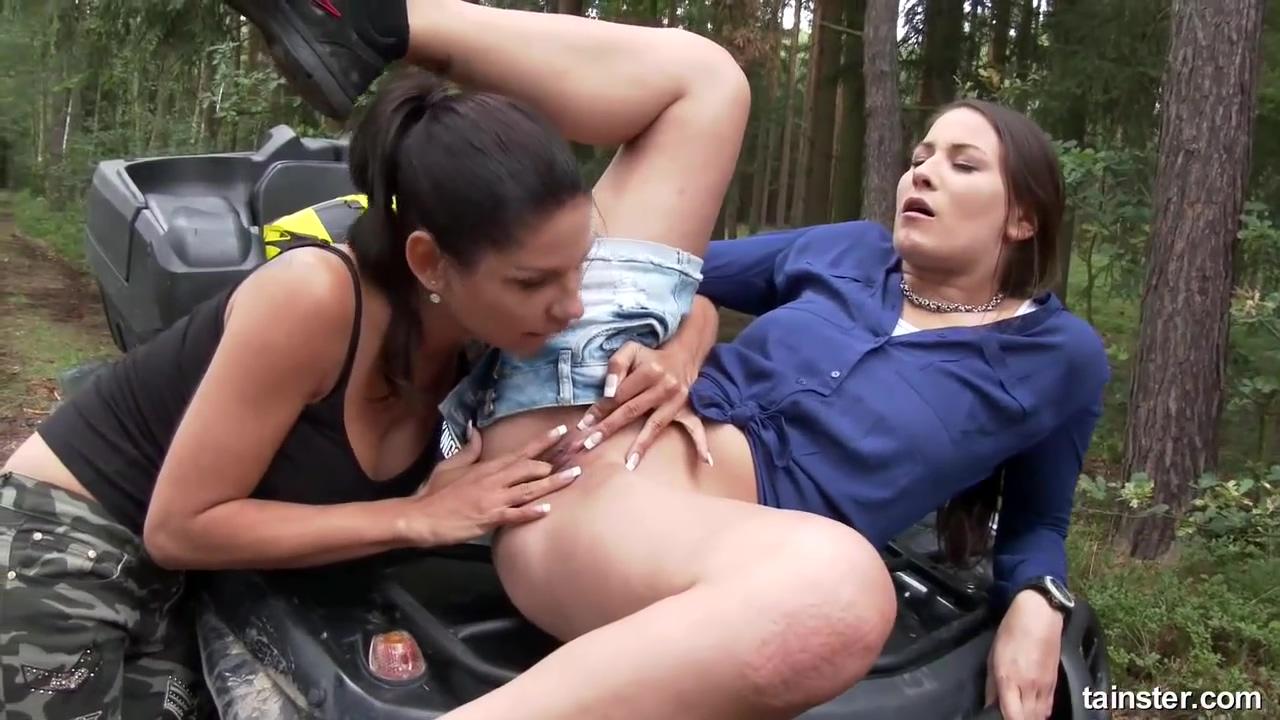 Video 1518942604: rachel evans, piss fetish lesbian, pissing outdoors, brunette pissing, pissing hd
