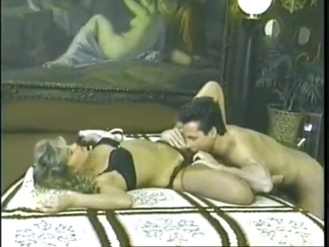 Video 1515673504: peter north, vintage retro, vintage retro big, vintage skinny, vintage deep throat, hot vintage sex, skinny ass blonde, american vintage