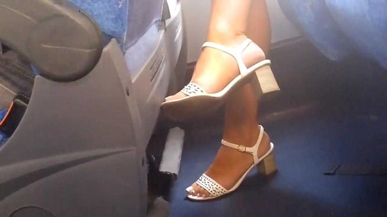 Candid milf feet on bus