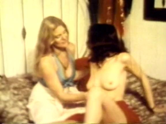 Retro Porn Archive Video: Lip Stick Lesbians
