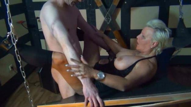порно фото бдсм старых женщин