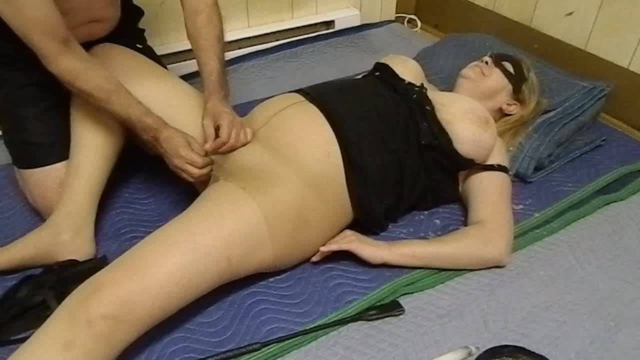Busty chubby wife enjoys perverted games