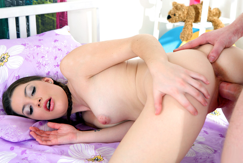 Marina in Sexy Russian Virgin Marina gets familiar with her bright pink vibrator - 18VirginSex