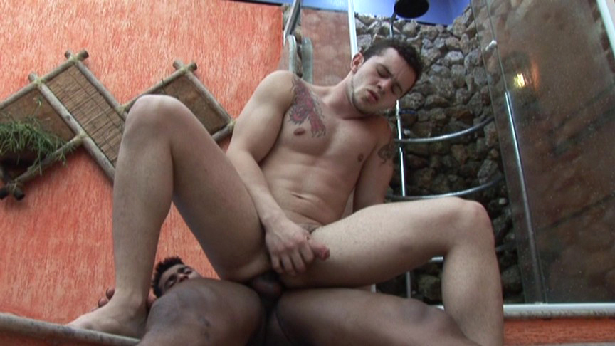 Arcanjo Amaro, Renzo Mazime in Ass Fucked By A DILF scene 4 - Bromo