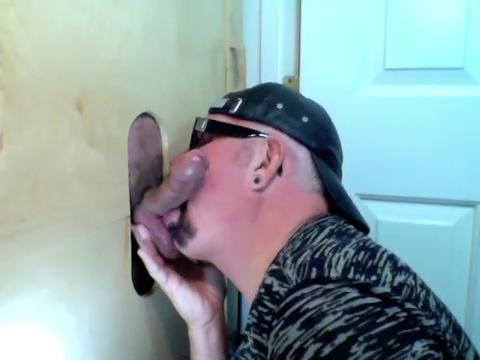 Big Dick Daddy Cums At Gloryhole - GloryholeHookups