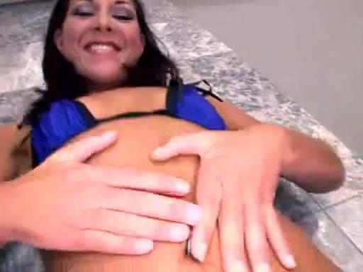 Isabella Pacino slurping two jizzload after fuck