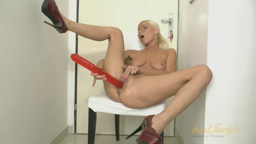 vanessa hell in the toy movie - auntjudys