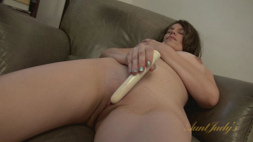 Kelly Capone in Toys Movie - AuntJudys