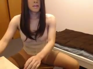 Asian crossdresser camslut masturbating