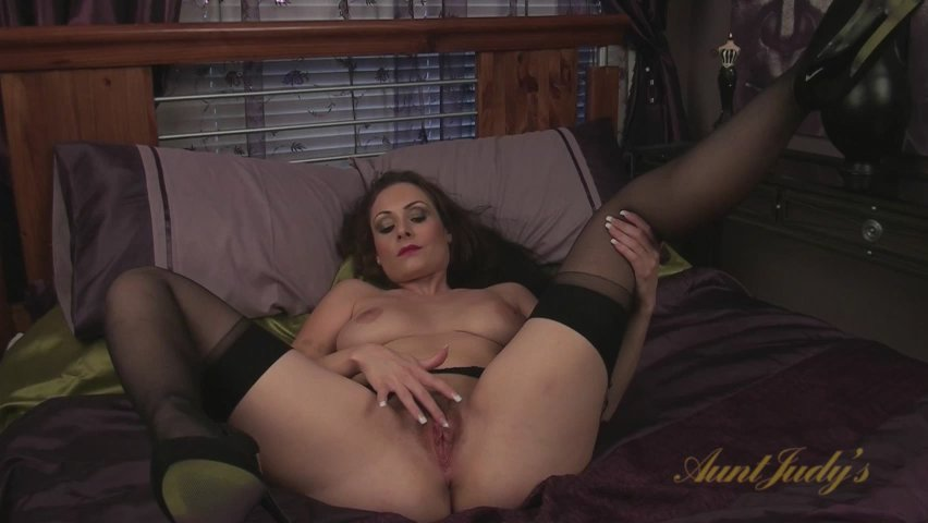 Sophia Delane in Masturbation Movie - AuntJudys