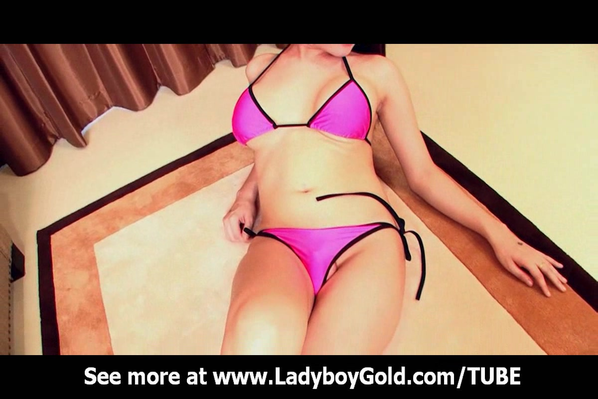 Ladyboy Sophia Open Assed Outfit