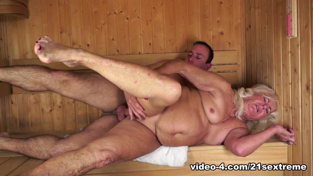 Vera in Golden Girl Sauna, Scene #01 - 21Sextreme