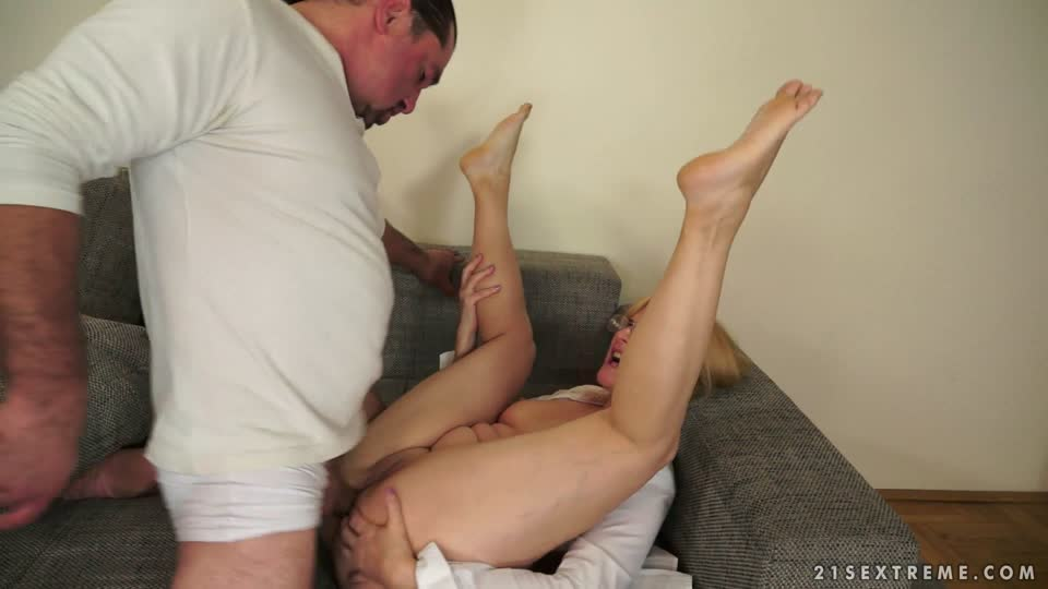 Jennyfer in Show me the merchandise!, Scene #01 - 21Sextreme