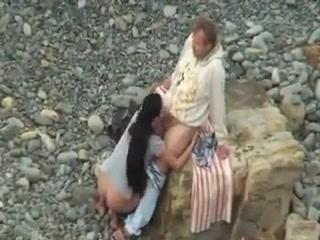 Girl gets fucked stranger on a beach !